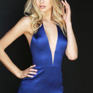 Sherri Hill Woman Blue Halter Plunge Train Gown 6